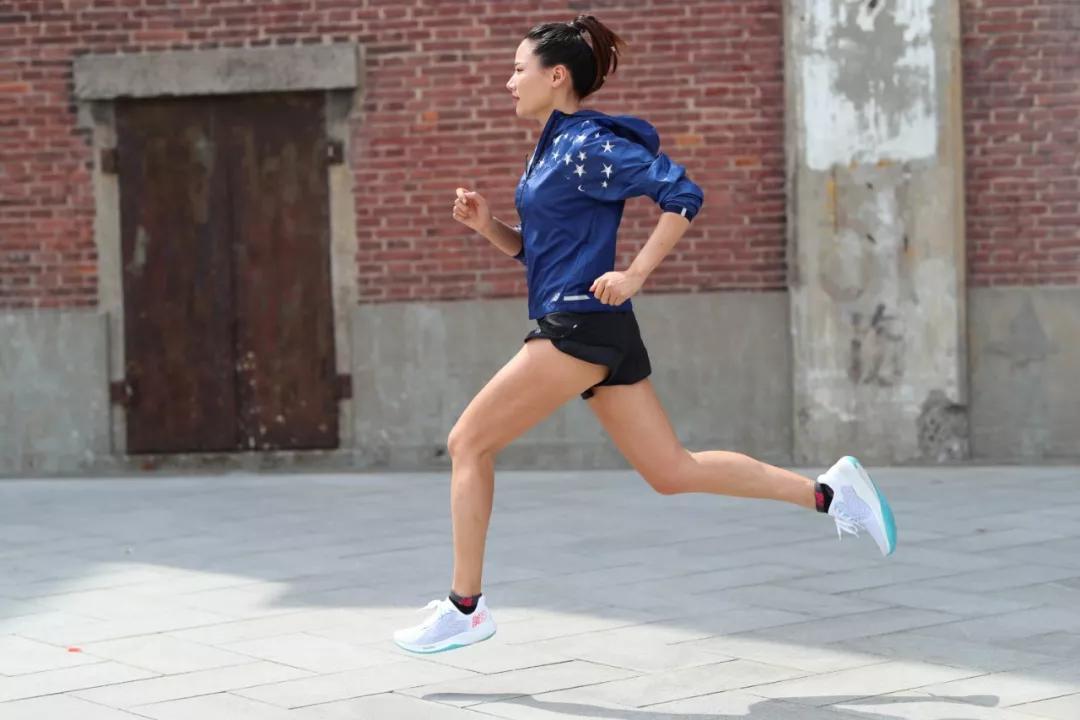 这届不结婚的单身女跑者,到底凭什么活得那么快乐?