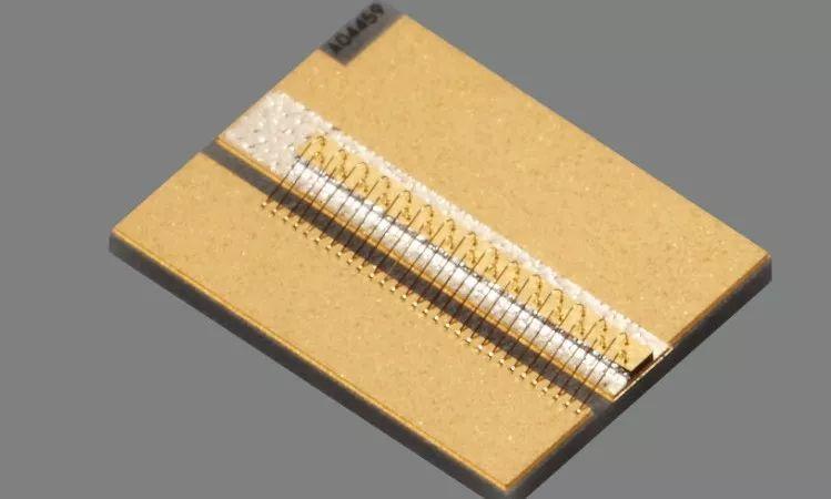 """""""红光""""前传——用心做好大功率半导体激光芯片?助力中国制造"""