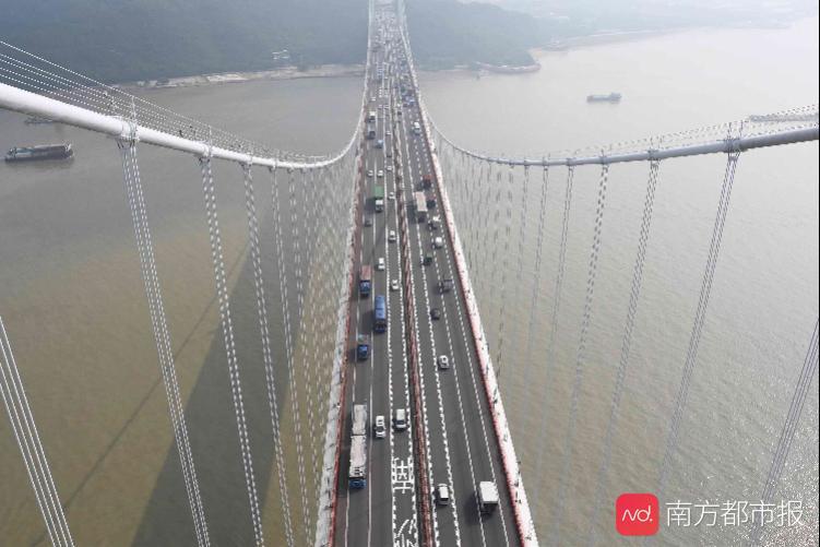 明日起虎门大桥禁止货车及40座以上客车通行_桥梁