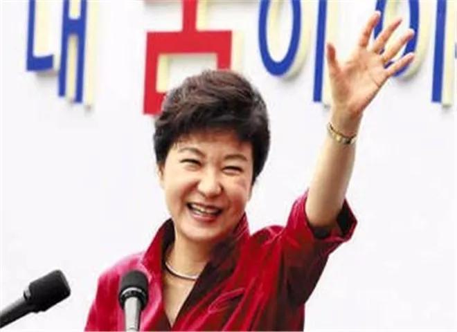 <b>终审将近!朴槿惠毫不在意结果,因为黄教安出手了</b>