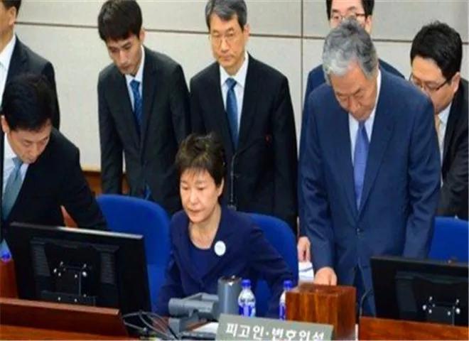 """文在寅对朴槿惠审判结果不满,""""操控""""韩检方继续上诉"""