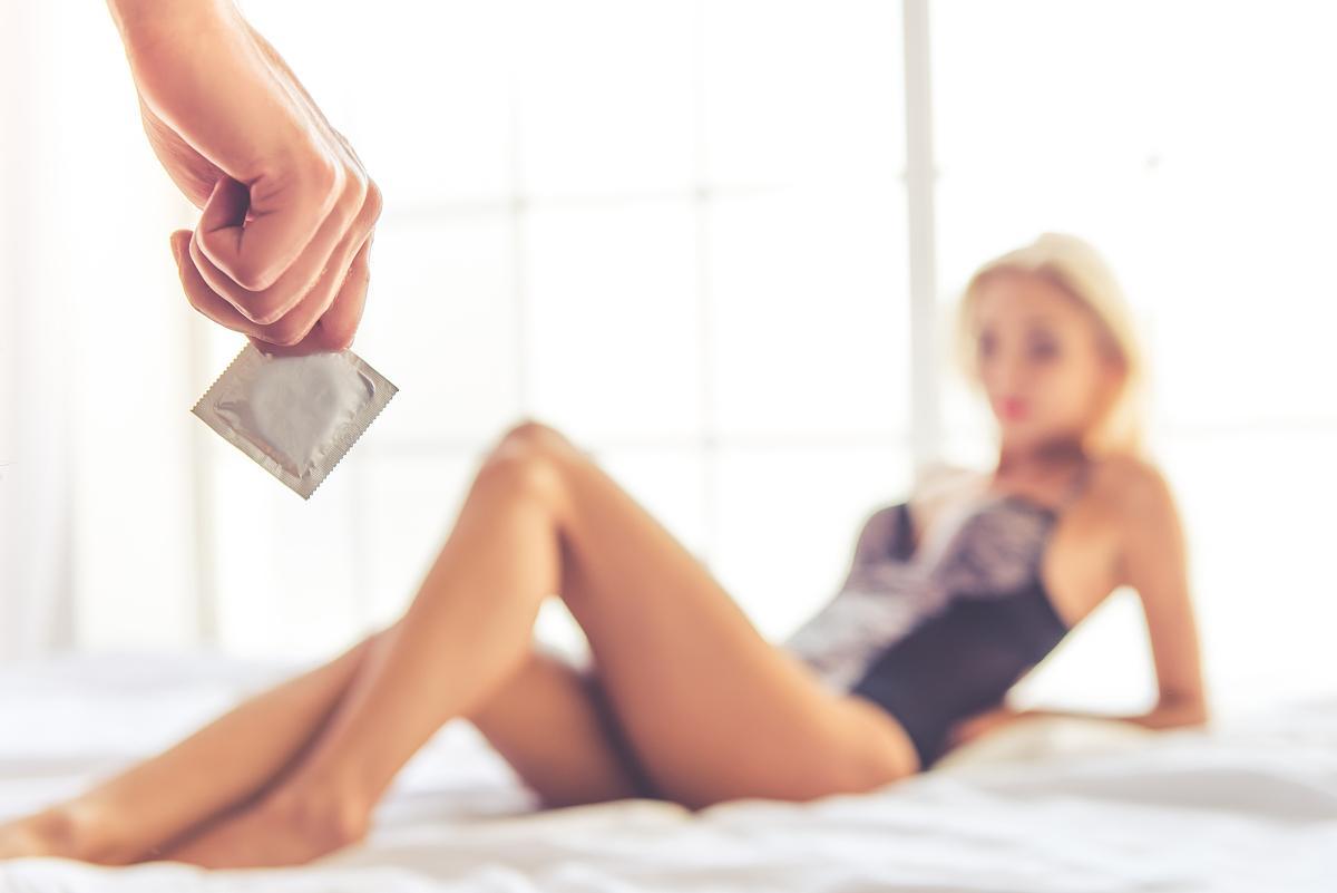 女士避孕套戴法图解