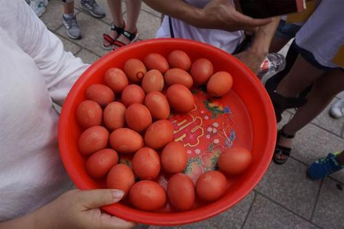 """辟谣:长""""雀斑""""的鸡蛋含有沙门氏菌,吃了会中毒?没选对的居多"""
