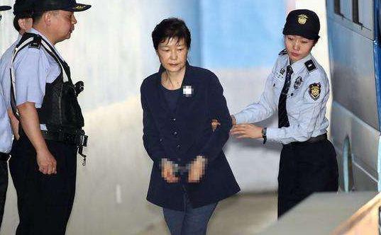 选举舞弊被爆出,朴槿惠刑期总计32年,网友:快到大结局了
