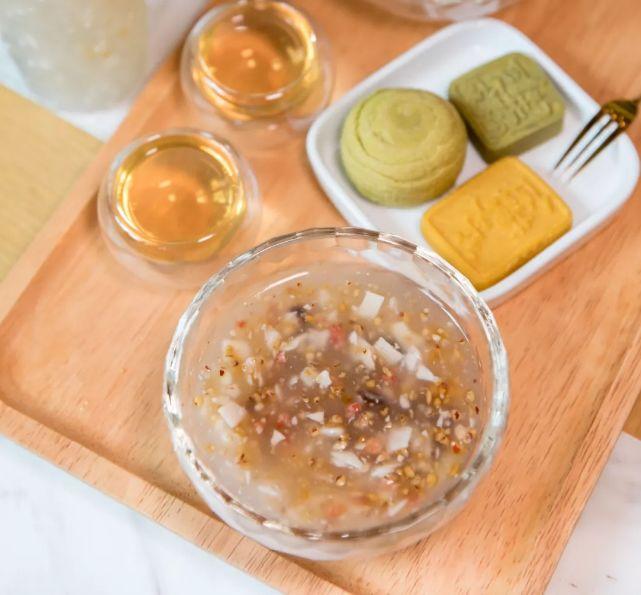 15斤鲜藕才出1斤粉。肠胃不适?夏天喝它,养胃!