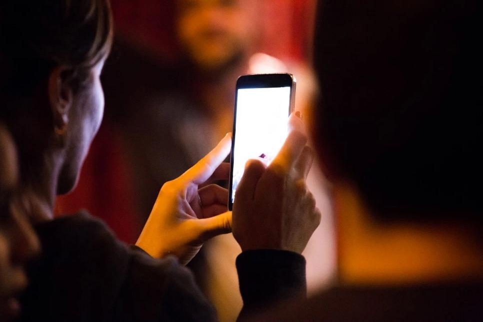 800万Android用户被诱使下载85款广告软件应用_Camera