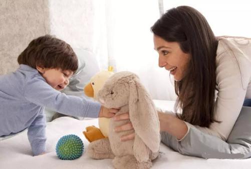 孩子不合群、怕生怎么办,家长如何正确引导