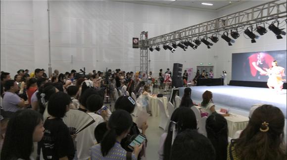 德孝中华小记者采访河北唐山第三届萌士奇动漫游戏嘉年华会展