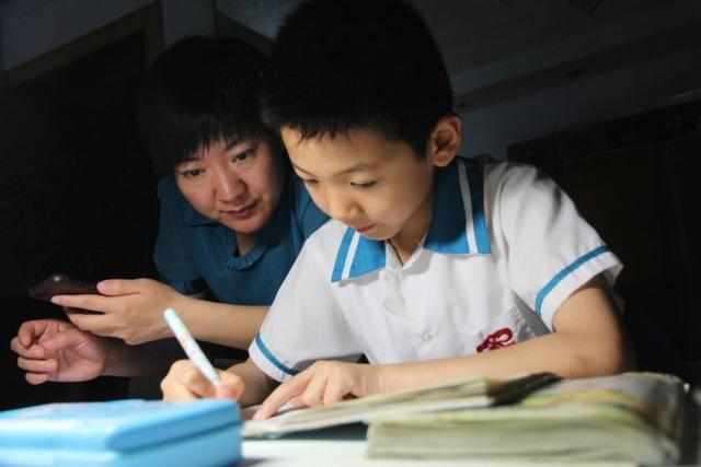 孩子长大有没有出息和母亲有关,妈妈是这种性格,孩子一生都受益
