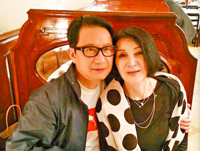 香港第一代传奇名模病逝 享年75岁 70年代曾红极一时