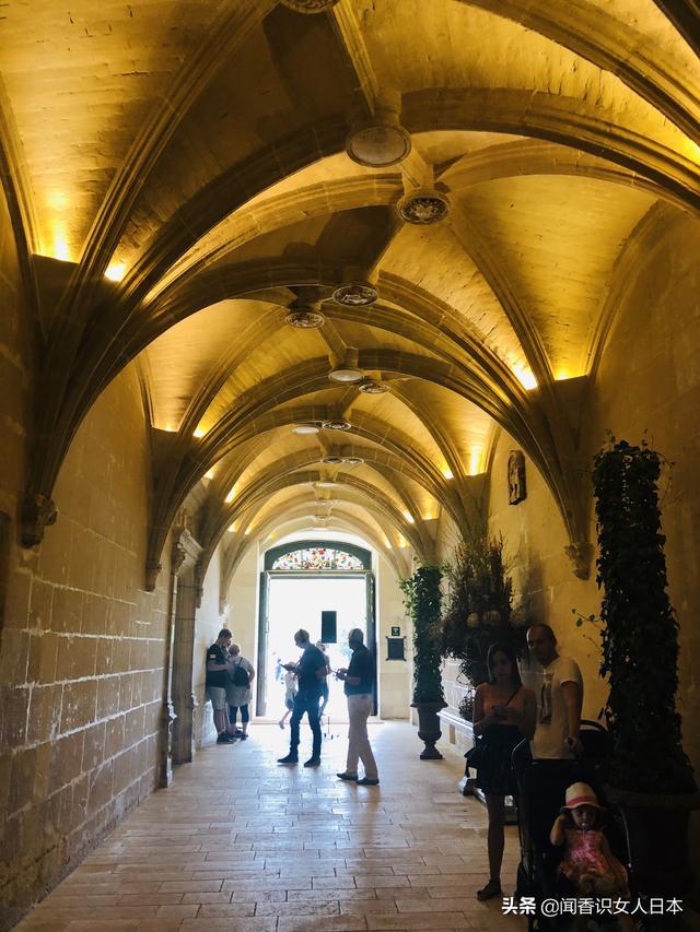 法国历代王妃_法国最香艳的夫人城堡和最大的香波城堡,情人与王后争宠的 ...
