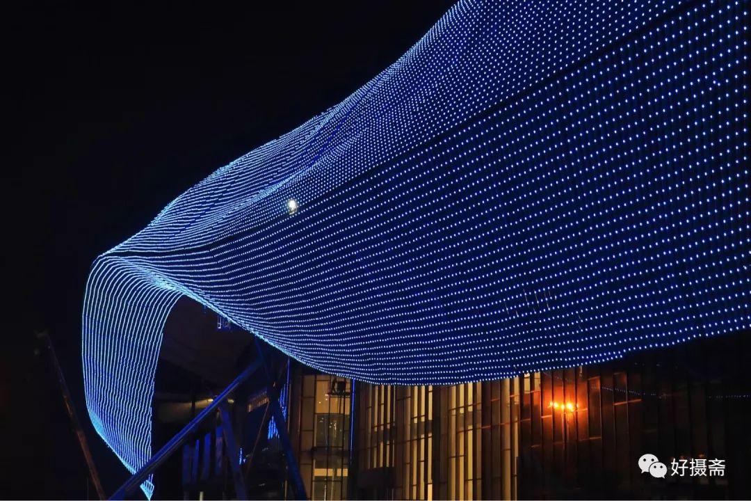 灯火通明!夜晚,驻马店国际会展中心工地竟是这么美!竣工倒计时