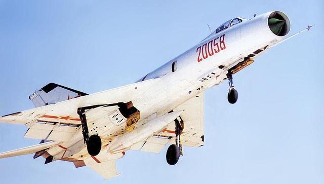 W君为什么笑喷得从编号56说起俄罗斯就只有100架战斗机吗?