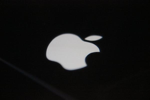 5oiR6Imy5oiR54ix6Imy5oiQ5Lq66L35aW4_apple watch 5将采用jdi oled屏:提供钛合金和陶瓷表壳