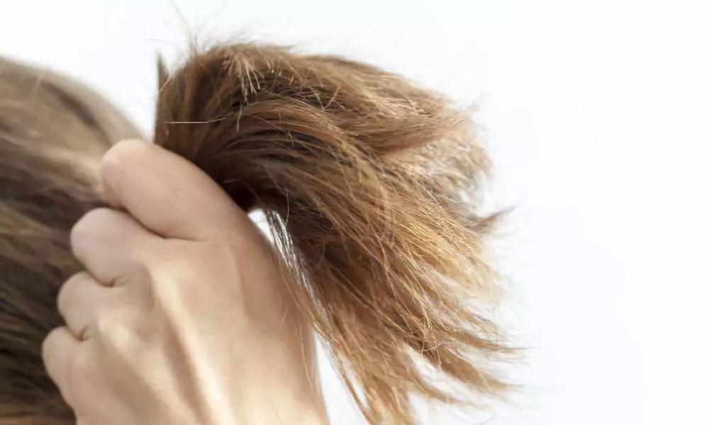 电磁波伤身,热风更伤发 高温度会把头发的水分和部分养份蒸发掉 长久