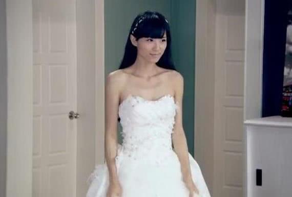 当《爱情公寓》4美穿上婚纱,最美的不是胡一菲,而是不起眼的她