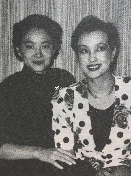 刘晓庆shigesaobi_63岁刘晓庆和64岁林青霞差距大,一个成老奶奶一个时尚