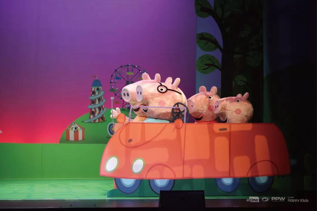 小猪佩奇有许多幼儿园的同学们,每一个人物都在诠释不同的特点,猪妈