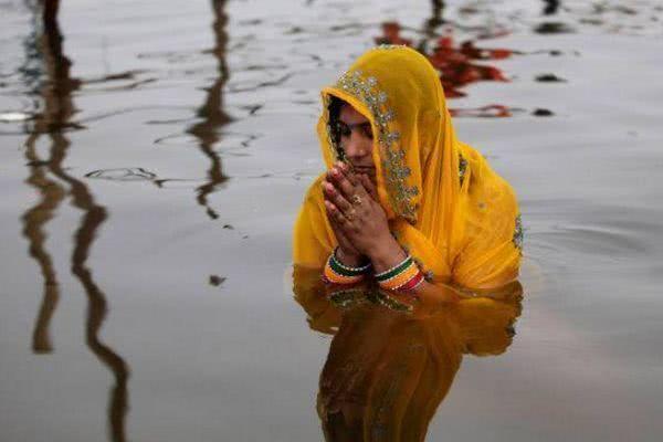 印度开始大清洁公厕数量远超90%驴友:恒河能清理干净?