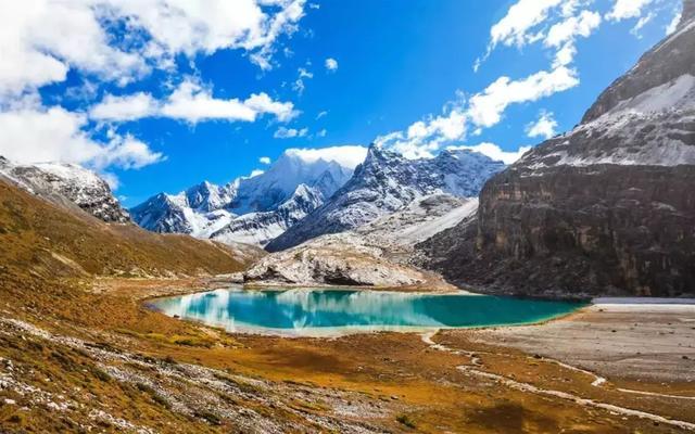 7天自驾 |《国家地理杂志》刊登的蓝色处女地,沿途风景美到爆,此生必去