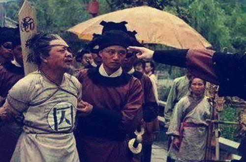 入宫1年当皇后,权倾朝野,却被14岁小皇帝摆了一道,族灭身死
