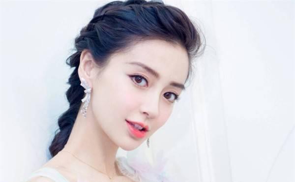 """盘点是""""混血美女""""的5位明星,杨颖上榜,而她是三国混血"""