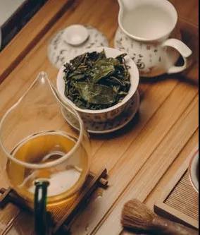 茶与酒,代表的是中国人的两种性格