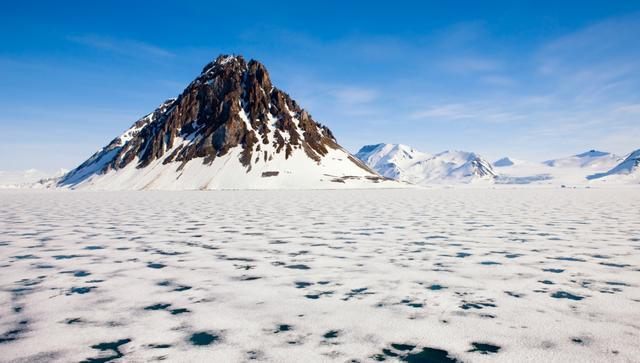 全球温差最大的城市,堪称北极圈的鱼米之乡,却只有1对父子捕鱼