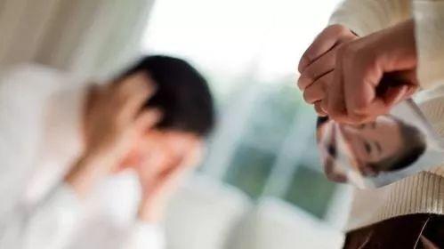 男子拒绝分手勒死女友,用其遗容 人脸识别 申请网贷