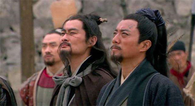 《水浒传》中,梁山兄弟大部分不同意招安,而宋江为什么执意要招安?