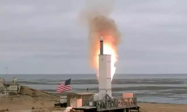 <b>美退中导条约后首试射中程陆基巡航导弹,射程500公里,击中目标</b>