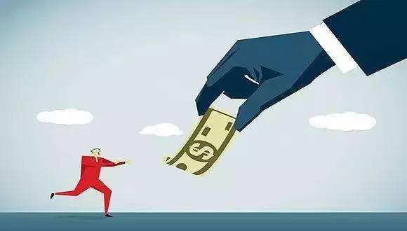 应该把保护债权人利益放在第一位