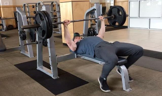 新手去健身就该待在舒适圈吗?这些动作其实你都能做,附动作推荐