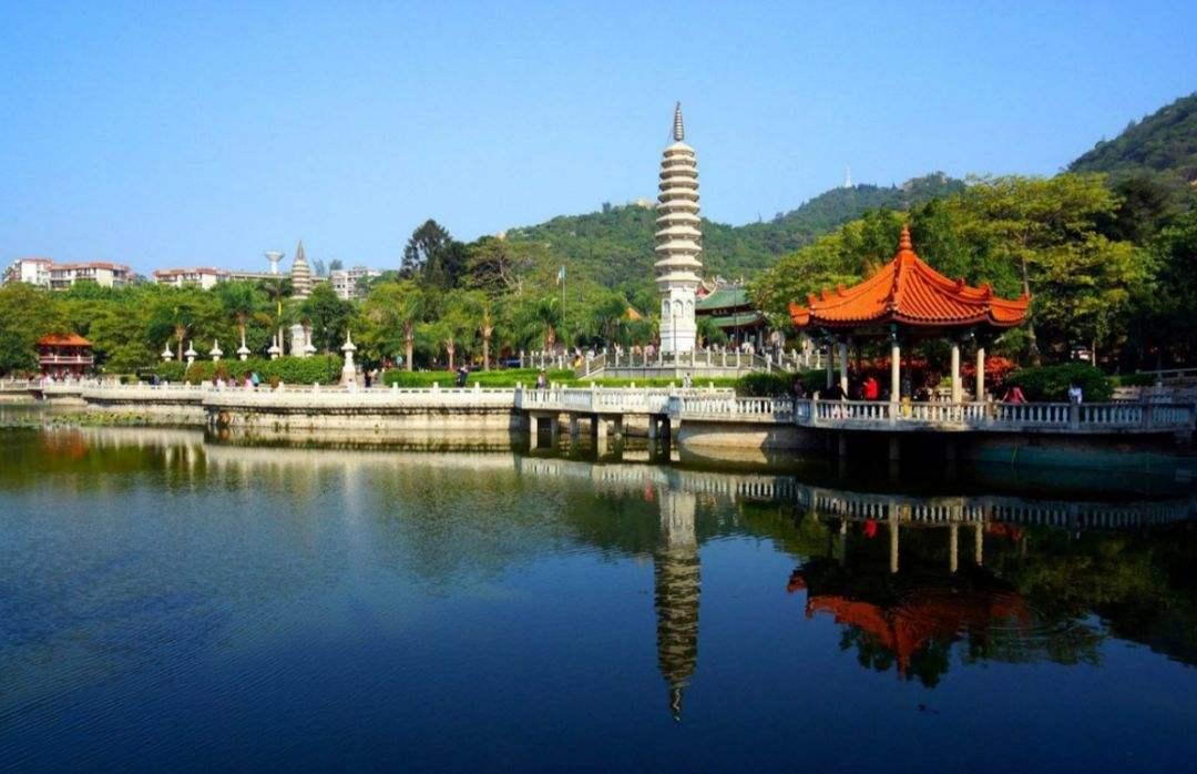 全国唯一的金丝楠木寺院,依山傍海已成网红打卡景点了