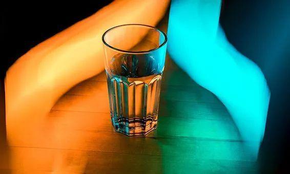 """太多人把早上第一杯水喝成了""""毒药""""!别想了,你百分百中过招"""