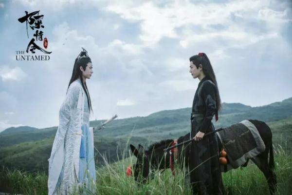 《陈情令》庆功宴:肖战王一博欢乐合影,或成忘羡最后一次同框?