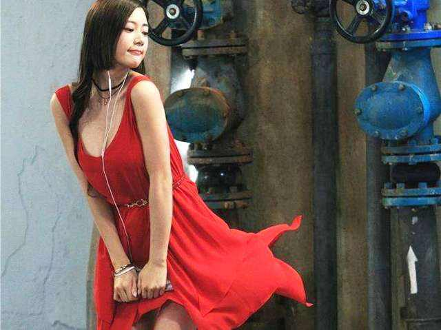 美女最骚露逼囹�a_韩国第一美女克拉拉都只能演尸体,这电影太牛逼了!
