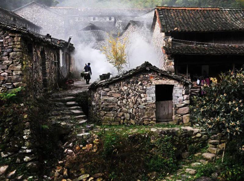 汕头市下蓬镇渔下村多少人口_广东省汕头市人口(2)