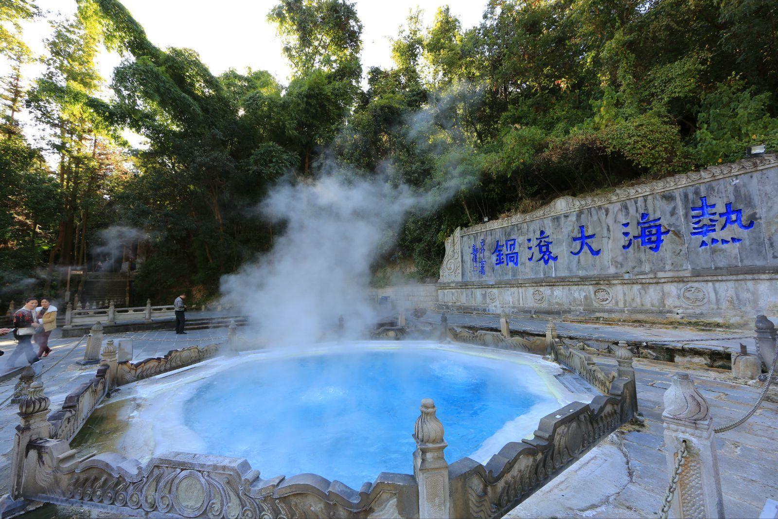 香格里拉去虎跳峡_云南旅游必去的10个地方,不可错过!_古城