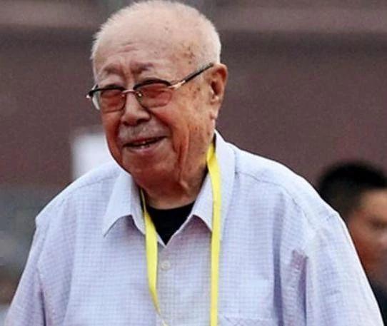 """94岁""""胡汉三""""刘江近况,毛笔字苍劲有力,化身老顽童逗大伙"""