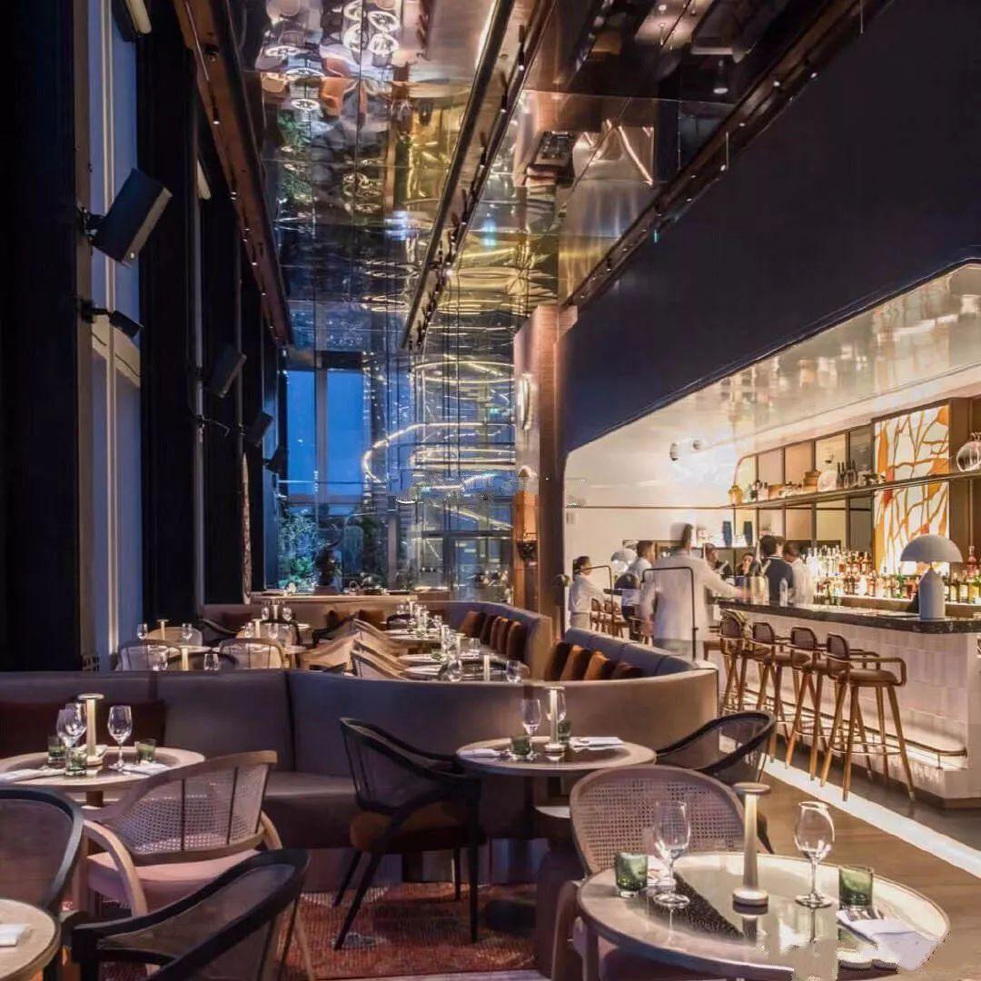 76层白玉楼空中餐厅_上天了!曼谷最刺激的餐厅,还没坐下腿就软了…_Skybar