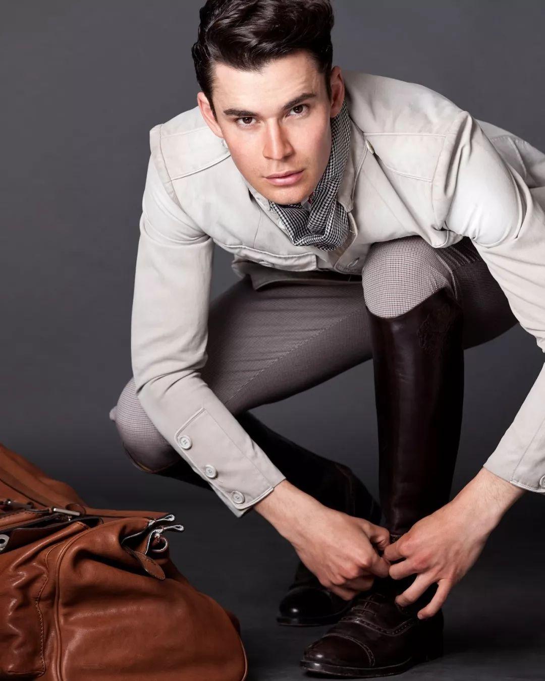 超甜蜜!法国时尚圈出现了一对男模夫夫!_法国新闻_法国中文网