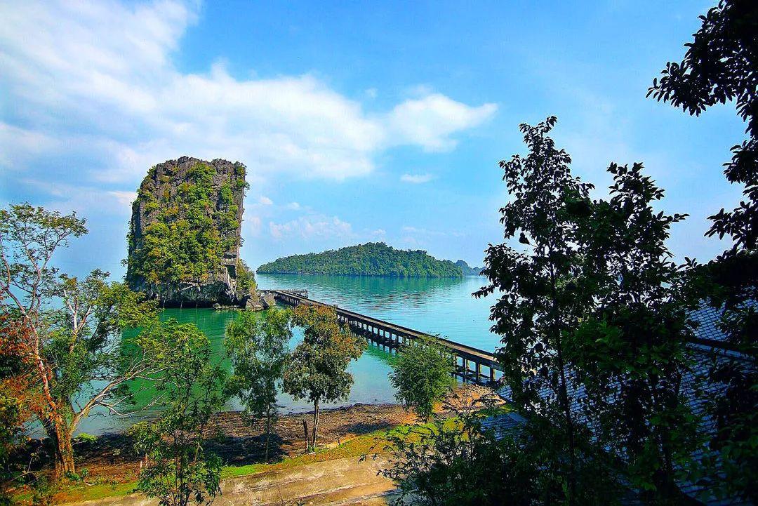 绝美原生态!达鲁国家海洋公园:51座岛屿环绕的热带雨林