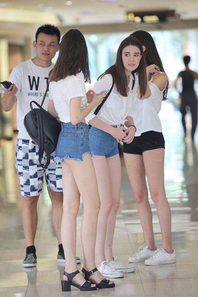 时装拍摄爱用欧美模特的原因,看身材大长腿就知道了!