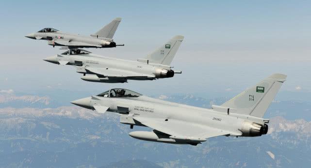 美下令大规模报复!F15和台风战机同时越境,炸平伊朗盟军总部