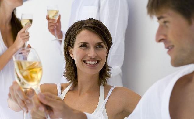 最潮老公的称呼_叫老公10个肉麻称呼 媳妇对老公的亲密肉麻称呼 最潮的