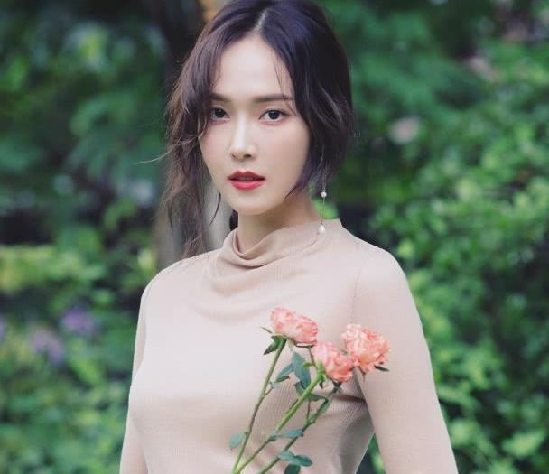 2019年亚洲明星排行榜_亚洲十大最美女神新鲜出炉 范冰冰竟只排第三