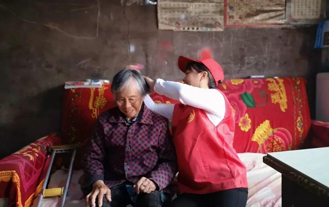 新闻速递丨参观城市发展激发建设热情;关爱空巢老人我们在路上