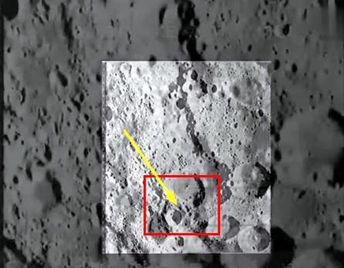 月球上发现了一个神奇的不明物体——嵌入月表的黑色大铁钩