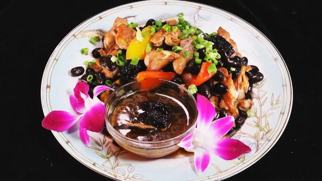 【养生厨房】今日菜品《健脾 补肾——焗蒸四宝》